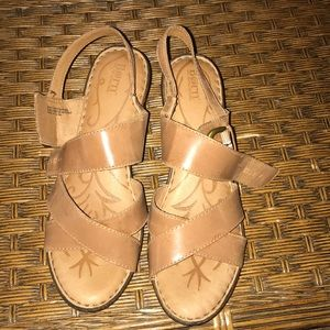Like new Born wedges Size 11 Tan
